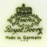 Зелёное подглазурное клеймо Bohemia в картуше под короной с указанием «Royal Ivory» и надписью «Произведено в Германии» на английском, на предметах, выпускавшихся в 1939-1945 годах.