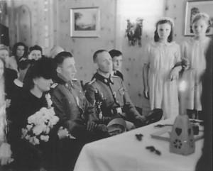 Йольфест-подсвечник на церемонии бракосочетания